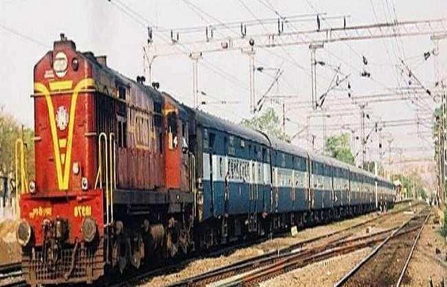 400 लाख खर्च कर रेलवे ने कराया फिर घटिया निर्माण