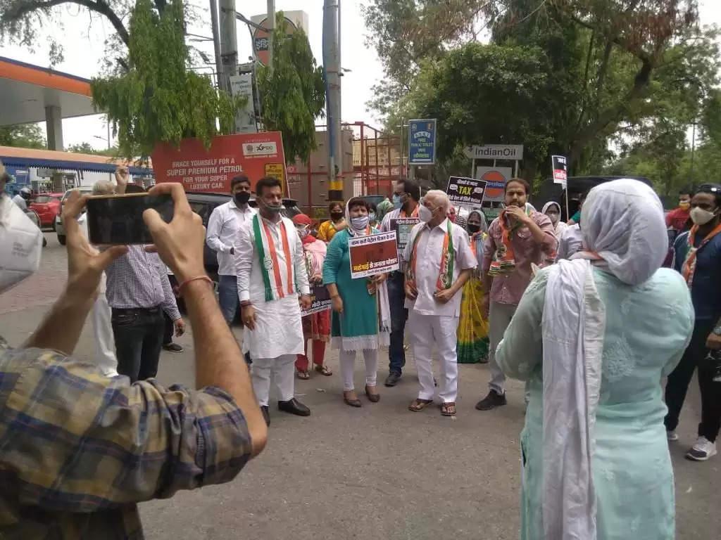 मोदी सरकार ने जनता को परेशान करने की खाई है कसम : राणा सुजीत सिंह